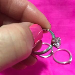 Avon Jewelry - Solitaire Ring with Jacket Set